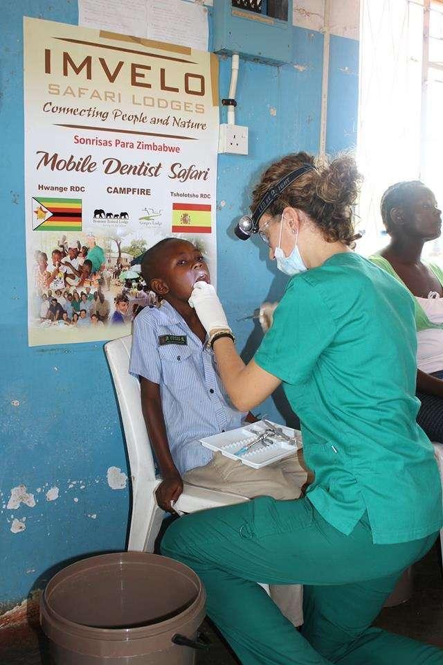 Campaña 2015 con la Fundación Smile is a Foundation en Zimbabwe
