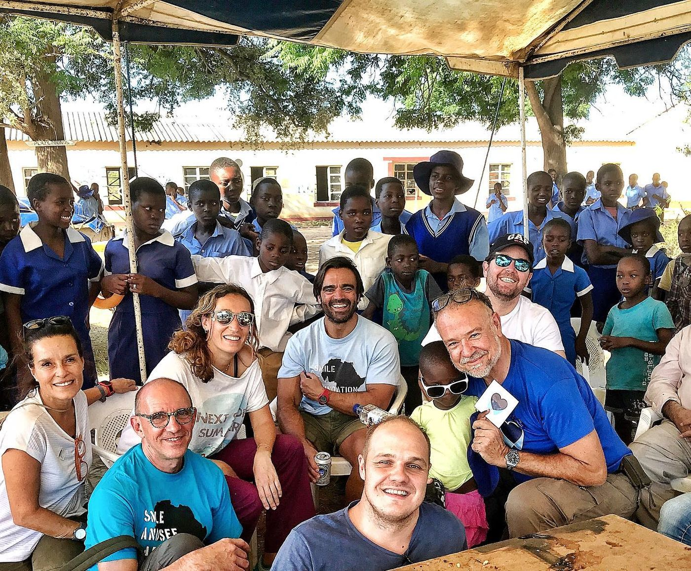Dental Morante vuelve a Zimbabwe con Smile is a Foundation
